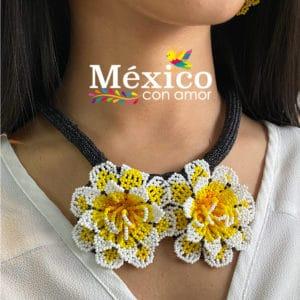 Collar Corto de Flores