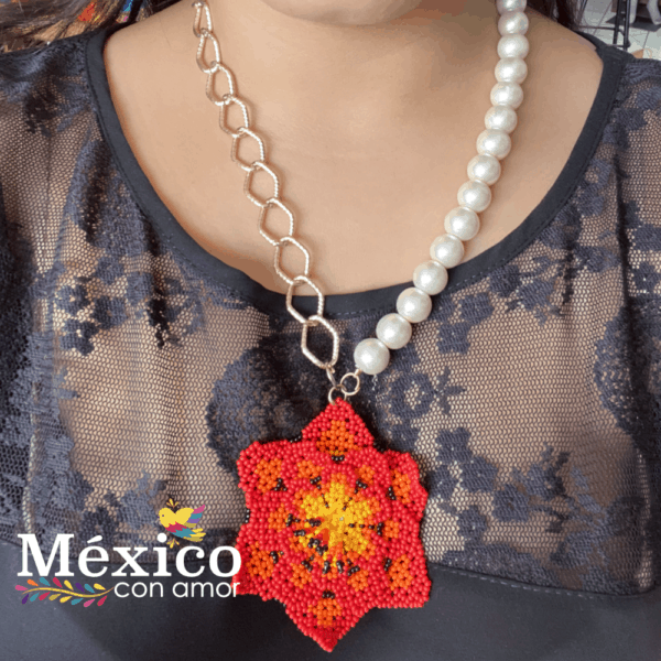 Collar de Chaquira Perlas y Cadena