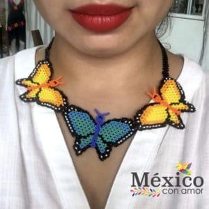 Collar de Chaquira Mariposa