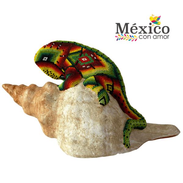 Iguana en Caracol de chaquira